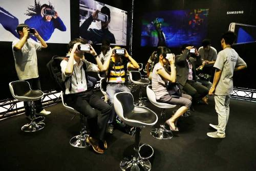 三星跨多項產業合作 擴大 Gear VR 應用