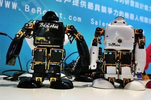 易入門 易學習 友善控制介面 身懷絕技的個性化機器人 BeRobot