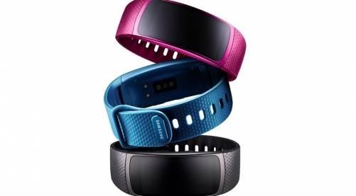 Samsung推出Gear Fit 2曲面螢幕手環 內建4GB容量