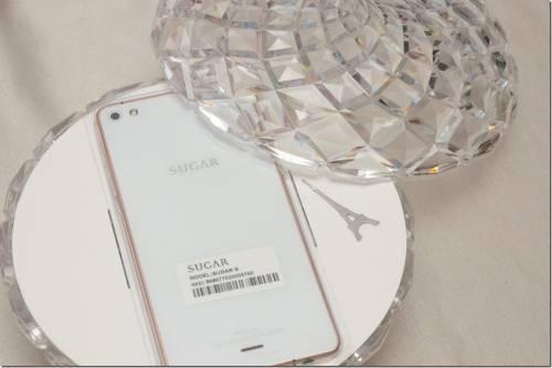 糖果手機來了?法國 SUGAR 糖果時尚手機在台登場