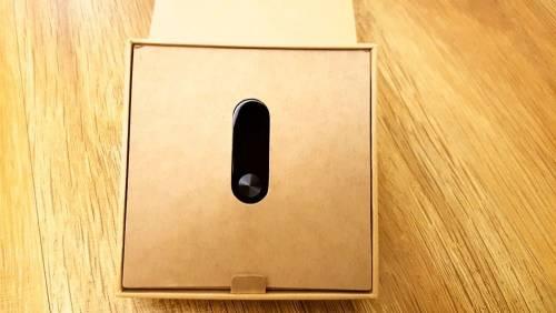 有螢幕的小米手環2 快速開箱搶先看