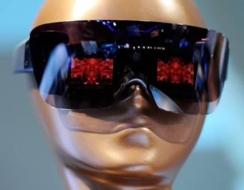 Lady Gaga 變成 3C 產品創意總監時...
