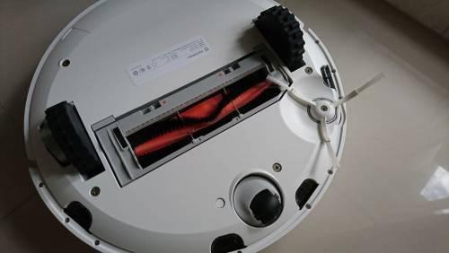 開箱 救婚姻神器之一-小米掃地機器人