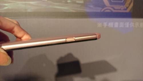 LG V20 11月1日起開賣 售價NT 21 900元