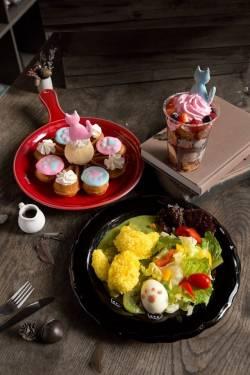 CATLAXY 貓的小宇宙 3D 攝影展 StayReal Café 並推出期間限定Meow~(貓掌)系列餐點飲品!