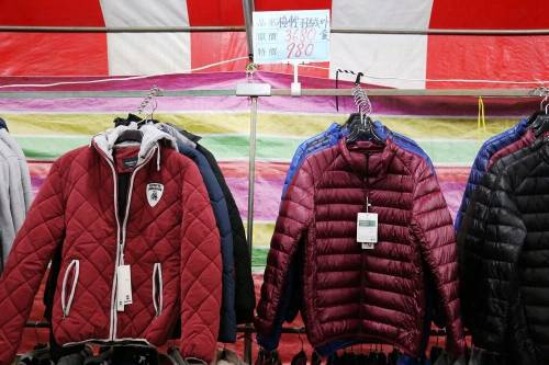 【新竹湖口特賣】日系名牌 四季服飾 包款配件 全館出清 39元 1折起 逛特賣還能兼逛夜市