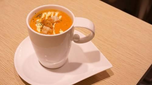 美食與藝術的結合,是義廊,也是藝廊。義廊義式小餐館帶你品嚐真實的味道。