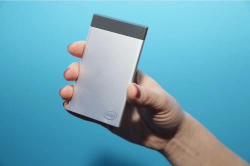 Intel卡片型Compute Card電腦2017 CES亮相 效能與MacBook相當