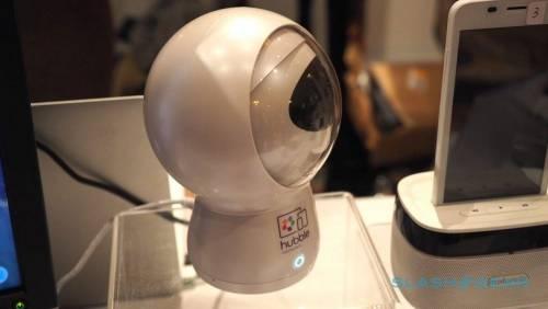 Hubble Hugo情緒辨識監視器 加入Alexa助手幫忙