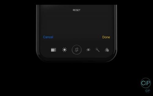 第二螢幕加Touch Bar?iPhone 8外型模擬影片曝光