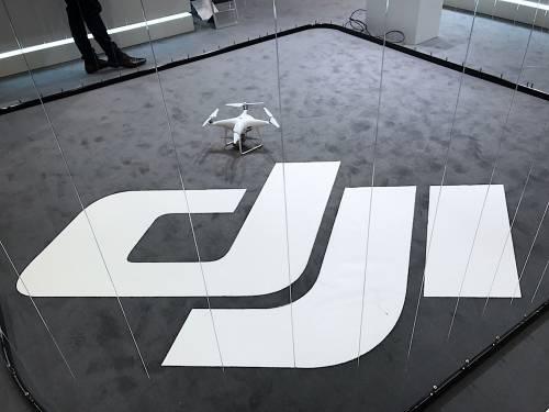 可一次裝設四個空拍鏡頭 專業級空拍機DJI Matrice 200 MWC2017登場
