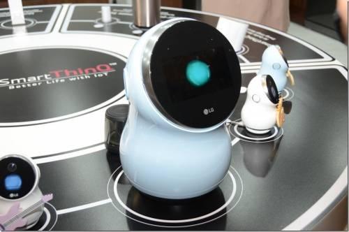 打造智慧家庭中心 LG Hub Robot 居家機器人與 SmartThinQ Hub 動眼看
