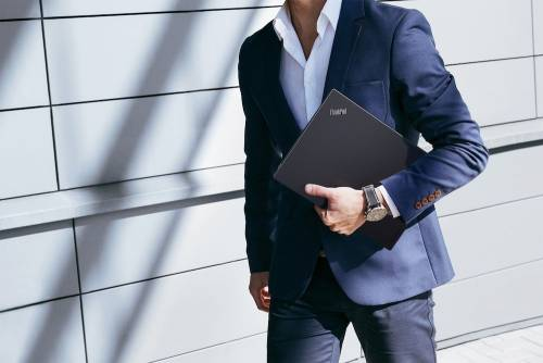 高續航與極致輕薄商務筆電 Lenovo ThinkPad X1 Carbon改版升級強勢登台