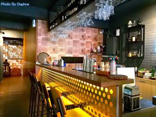 台中西區美食 Nine High 久嗨微醺壹號店 創意調飲 私廚料理餐酒館 不喝酒的女孩來這裡不會變壁花