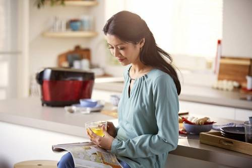 飛利浦推雙重溫控智慧萬用鍋 讓媽咪優雅出好菜