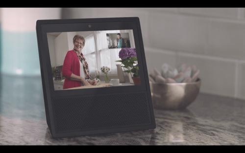 支援Echo Calling視訊通話功能 7吋智慧助手Amazon Echo Show美國正式發表