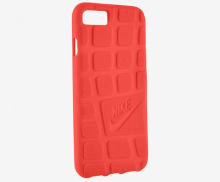 採用鞋底紋路設計 Nike iPhone 7保護殼亮相