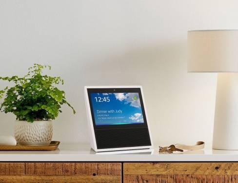 Amazon智慧語音助理再進化 加入螢幕的Alexa Echo Show開放預購