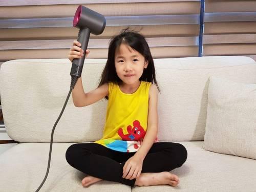 多了陪伴 家將成為更可靠的避風港 有空幫你心愛的她吹頭髮吧!