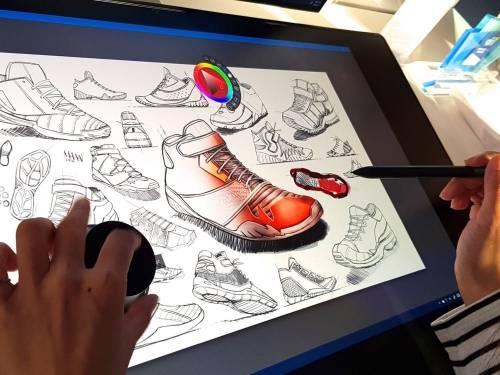 Dell Canvas 與 8K 顯示器現身發表會