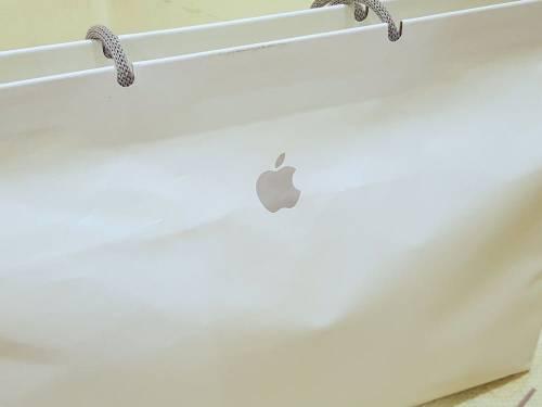 飄洋過海 蘋果總部專賣 Apple T Shirt 入手