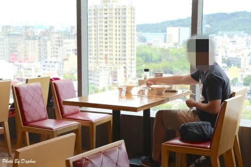 新竹美食 Capricciosa 卡布里喬莎新竹站前 SOGO 店 日系結合南義風情的澎湃料理