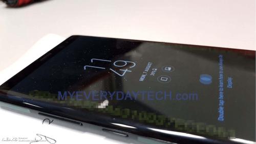 無邊際螢幕搭配方正外框 Galaxy Note 8 實機諜照曝光