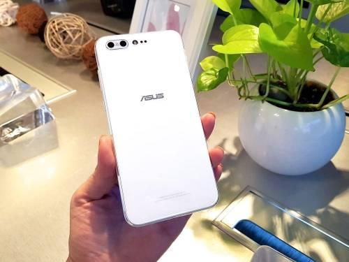ASUS ZenFone 4 4 Pro發表 雙鏡頭與NFC智慧加入!