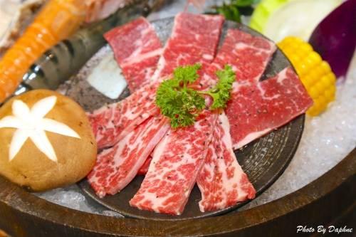 宜蘭美食 堯川龜山島海鮮燒肉居酒屋 日式料理 無煙燒肉 海鮮火鍋三重享受