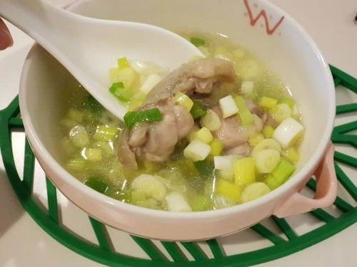 [料理] 營養滿滿的詹姆士 蔥雞湯 真的超簡單!