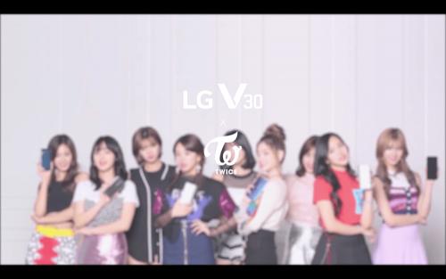 知名韓國女團 TWICE 成為 LG V30 產品代言人