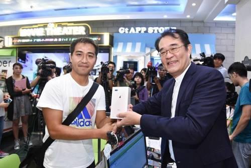 亞太電信 iPhone 8 正式開賣 萬屏齊發最佳選擇