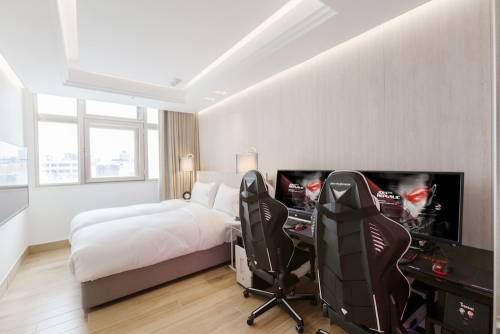 華碩 ROG玩家共和國攜手168inn集團打造亞洲第一電競旅館i hotel