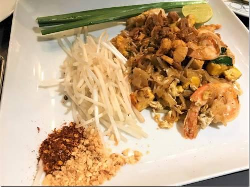 Celebrating Pad Thai 好吃 泰式炒麵 金邊粉 是什麼?