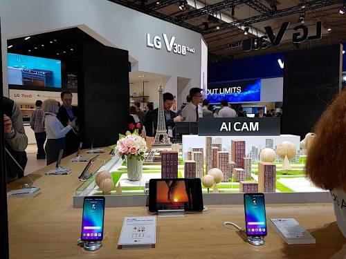 LG V30S ThinQ 實用功能動手玩 AI Cam與QLens