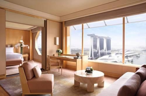新加坡十大人氣飯店公佈「濱海灣金沙飯店」奪冠 全球最大露天無邊際泳池 享受濱海灣醉美日落