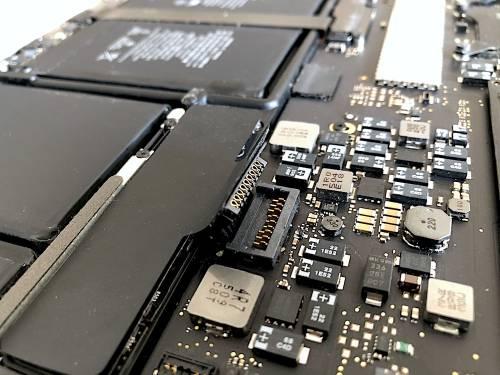 升級 MacBook Pro SSD 好簡單 PHINEXT 蘋果加速器開箱動手玩
