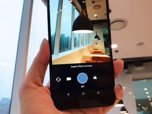中規中矩 HTC U12 life 發表 10 月中開賣!