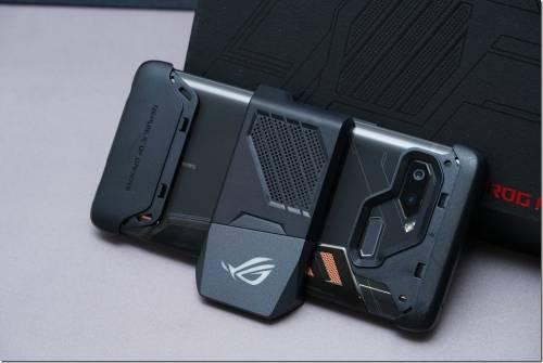 你想要的全都給你!華碩 ROG Phone 加七大配件全開箱!