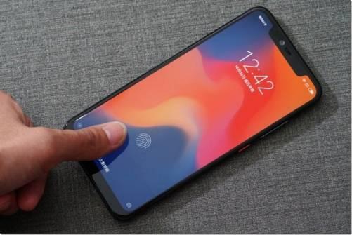 一試就會愛上,內外兼備的小米 8 Pro 螢幕指紋版