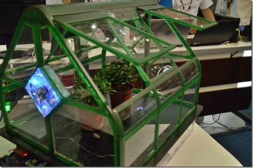Intel 展出 IoT 應用 智慧溫室讓作物得到完善照顧
