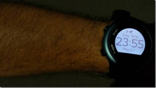 專為運動打造 GoWatch 820i GPS 藍牙三鐵運動錶動手玩