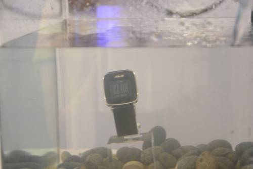 ASUS推出運動專屬VivoWatch 擁有長達10天的電池續航力
