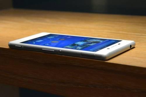 Sony M4 aqua E4g一併登場 企圖攻佔中階手機市場