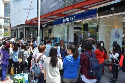 SAMSUNG Galaxy S5終於全球開賣 信義區開放搶先體驗
