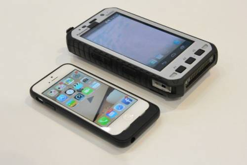 Panasonic 5in Toughpad 超厚軍用手機 六月問世!