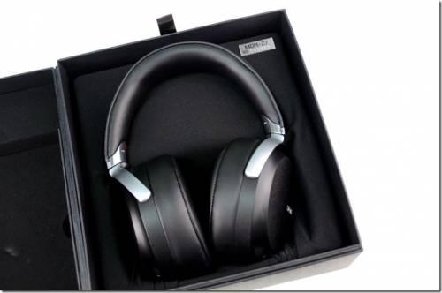Sony 旗艦美聲耳機 MDR-Z7 登場 同場加映NWZ-A15 超輕薄隨身聽