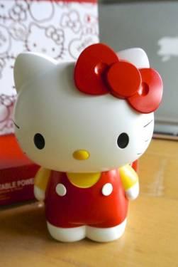 超吸睛行動電源再一發 Hello Kitty來了