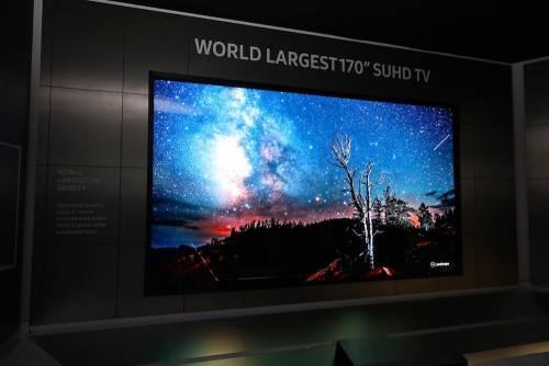 三星未來電視亮相 打造出不可思議的170 吋變形電視