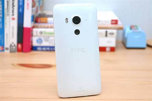 美型蝴蝶 翩翩起舞 HTC Butterfly 3 亮眼評測